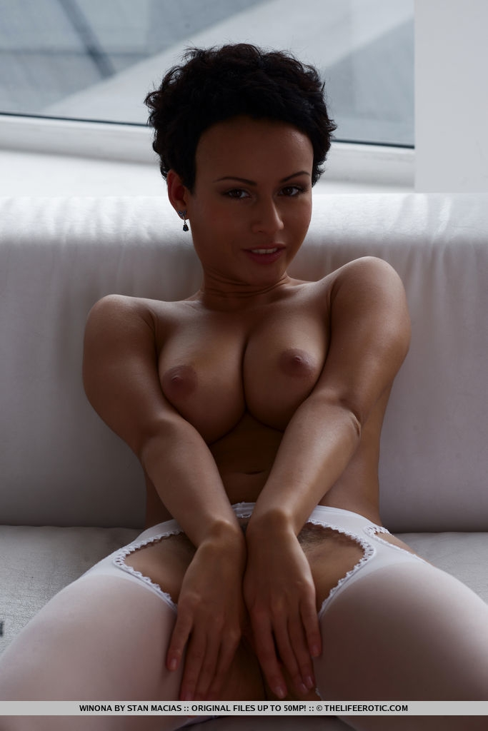 ебут лучшие эротические фото с короткой стрижкой мама стала выяснять