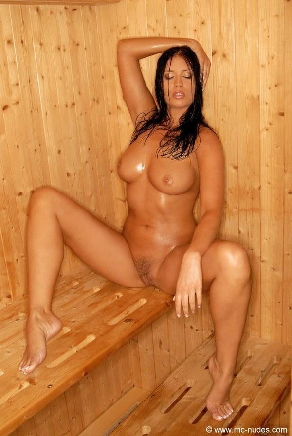 Девушки астрахани голые в сауне