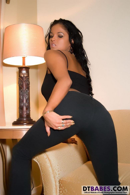Порно в легинсе фото 606-987