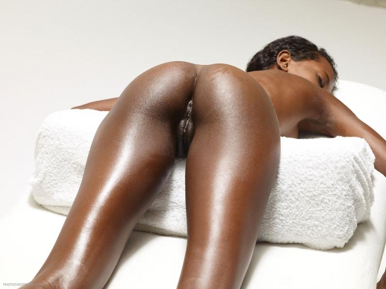 Фото голых тощих африканских попок